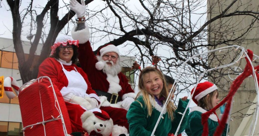 Santa decks the halls of Montreal at annual parade on Saturday