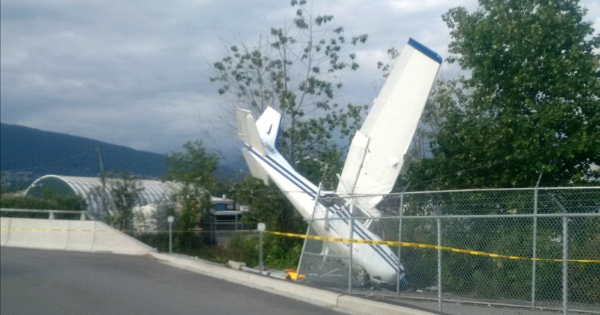Four people survive plane crash in North Vancouver
