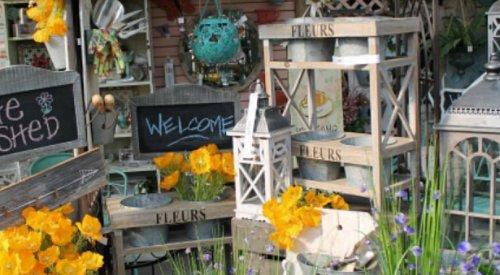 Garden items stolen from Art Knapps