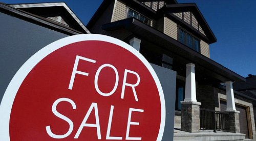 New survey finds the majority of Canadians maxed out their budgets to buy 1st home