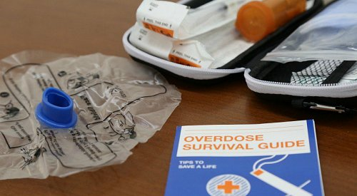 Study says 7% of Canadians know how to use naloxone to stop an overdose