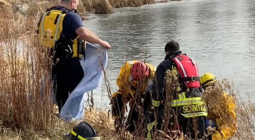 West Kelowna firefighters rescue man who fell through ice on Shannon Lake