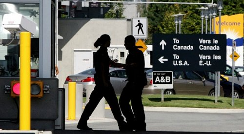 Canada-US border closure extended another month